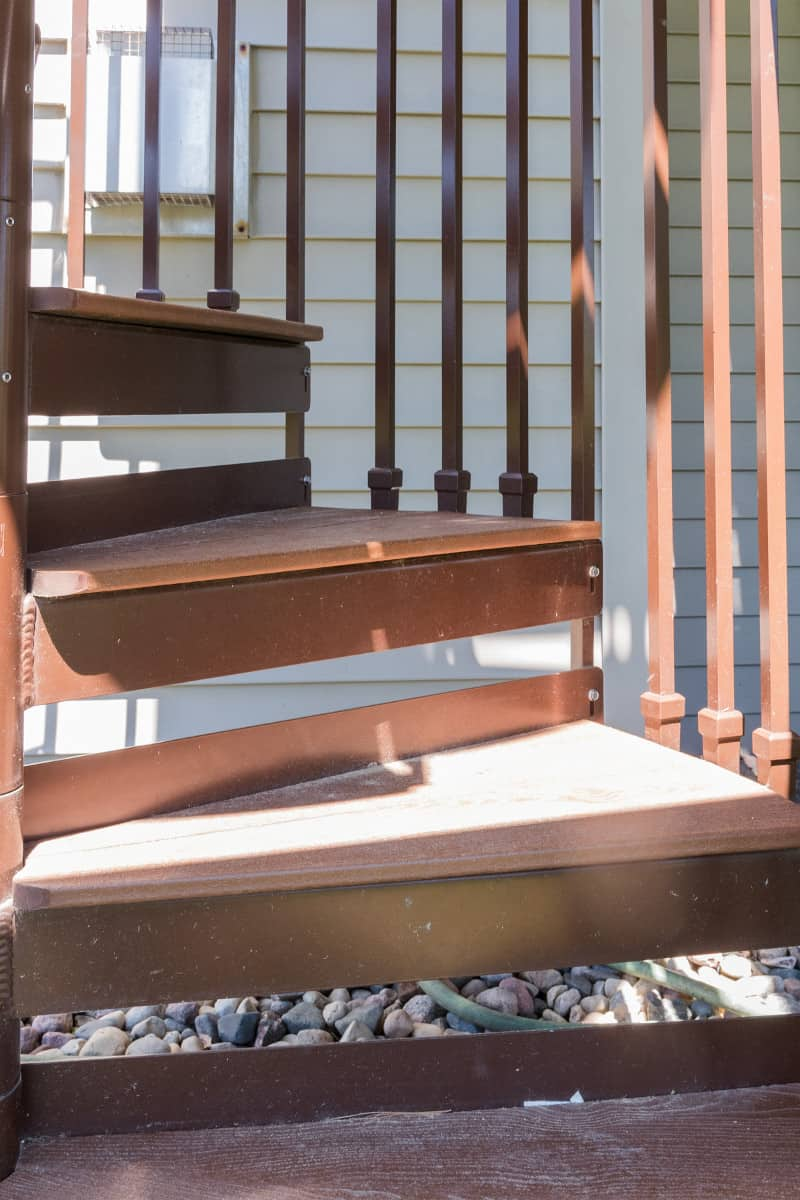 Deck with Stairway