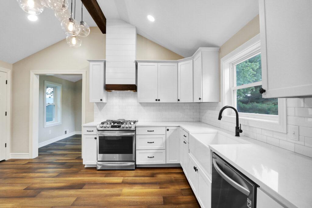 Custom Built Design Amp Remodeling Kitchen Remodeling 01